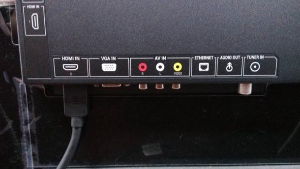 """1.有蓝光播放器(例如DVD)的同学,可以通过hdmi线将DVD连接至功放的输入口(input)再用一根hdmi线连接功放输出口(output)至mitv的hdmi输 入口(input)。   1.去小米电视设置中将""""数字音频输出""""打开,""""关闭内置扬声器""""小米电视*1 功放外接音箱*1 蓝光播放器(例如DVD)*1"""